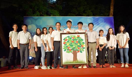 Sôi động Ngày hội Tân học sinh - sinh viên